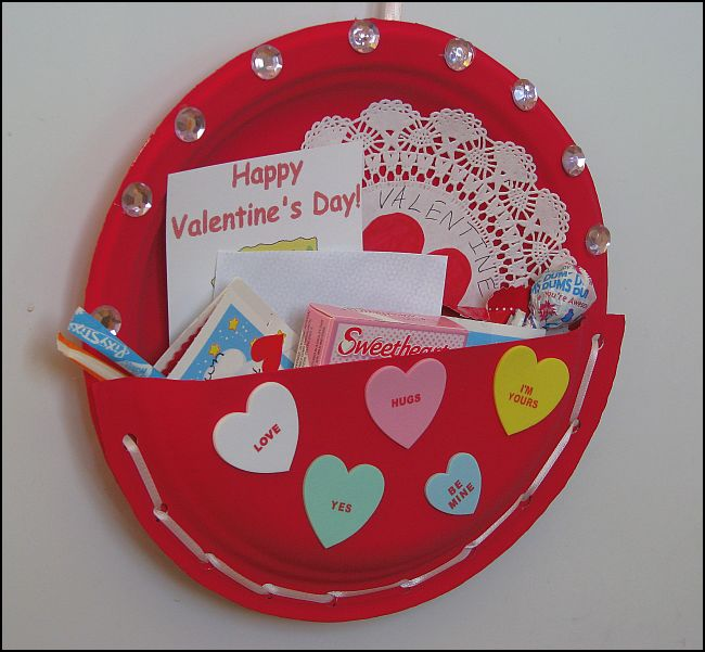 Valentines day projects for preschoolers for Valentines crafts for kindergarten